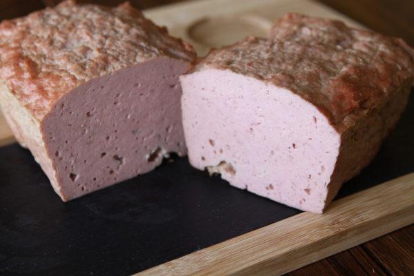 Колбаса «колбасный хлебец классический» без оболочки